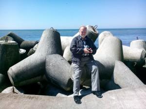 Uffe sitter på en tetrapod