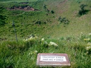Krater efter en 5000 kg bomb