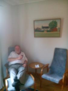 Uffe relaxar på Klosergården  Vadstena