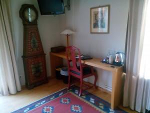 Skrivbord klostergården
