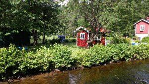 På väg in i slussen Dalslands kanal
