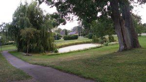 park utan för Nylars kyrka