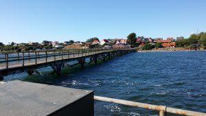 Gångbro till hamnen i Arnager