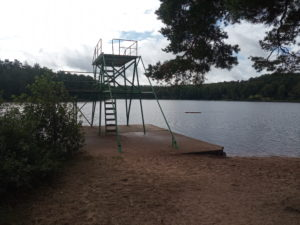 hopptorn badplatsen Åslungasjön