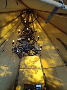 taklampa av renhorn stora tältet Camp Oak