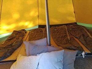 inne i vårt tält Camp Oak